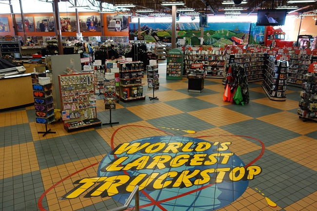 7 Secrets To Know When Choosing The Best Truck Stop 1