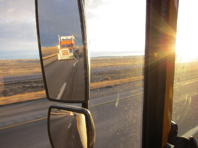 7 Ways How Truck Mirrors Increase Safety 5