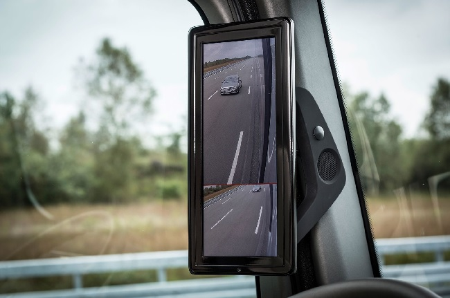 7 Ways How Truck Mirrors Increase Safety 6