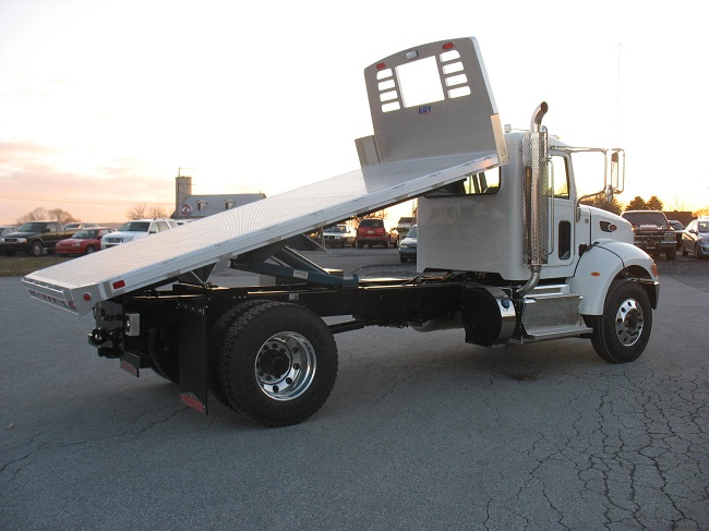 10 Things to Watch When Buying Used Flatbed Trucks