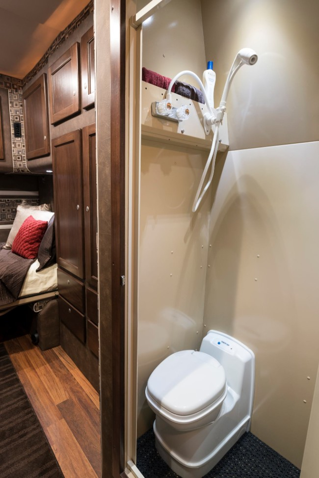 semi truck with bathroom. 10 Tips To Buying The Best Sleeper Or Extended Cabin Truck Buy