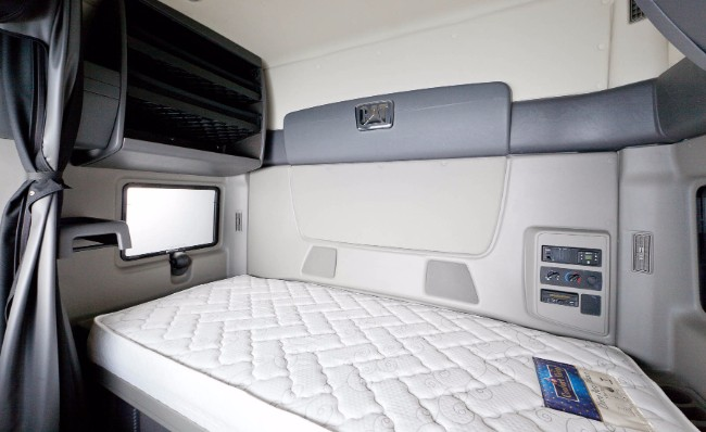 10 Tips To Buy Best Sleeper Or Extended Cabin Truck