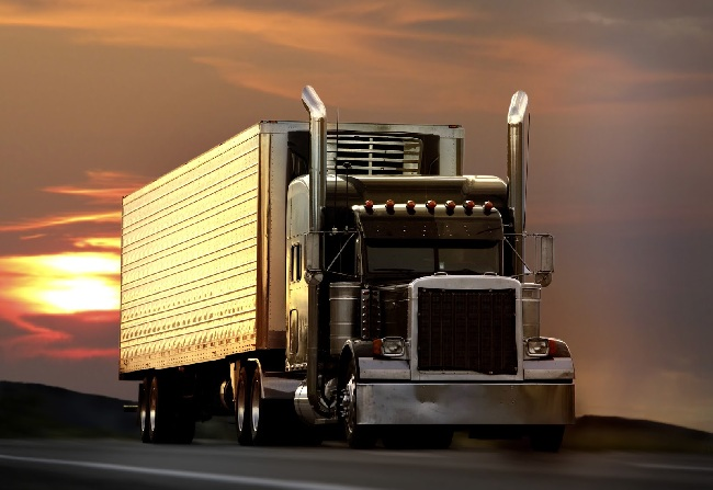 8-tips-to-find-the-best-truckers-friend-on-the-road-1-cover