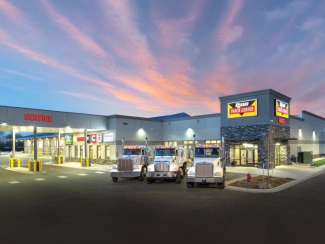 Rush Truck Centers >> 10 Best Peterbilt Dealers in USA