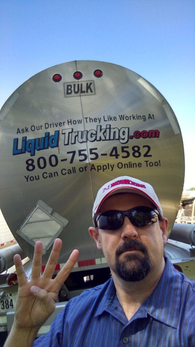 www.liquidtrucking.com