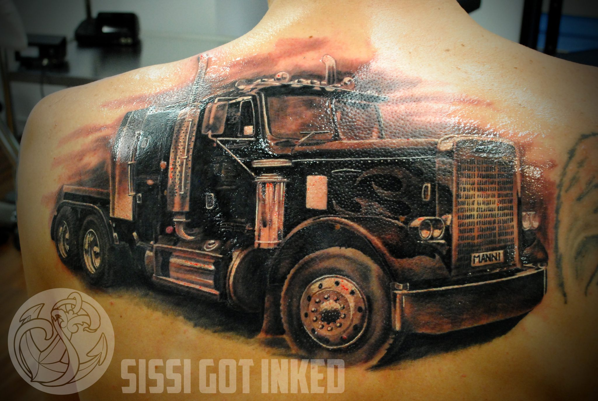 ultimate truth trucker tattoos and trucking companies tattoo policy fueloyal. Black Bedroom Furniture Sets. Home Design Ideas