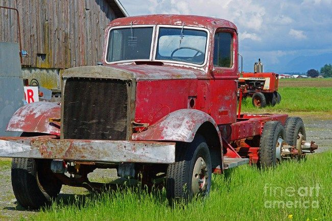 10-locations-to-buy-vintage-trucks-and-vintage-truck-parts-1