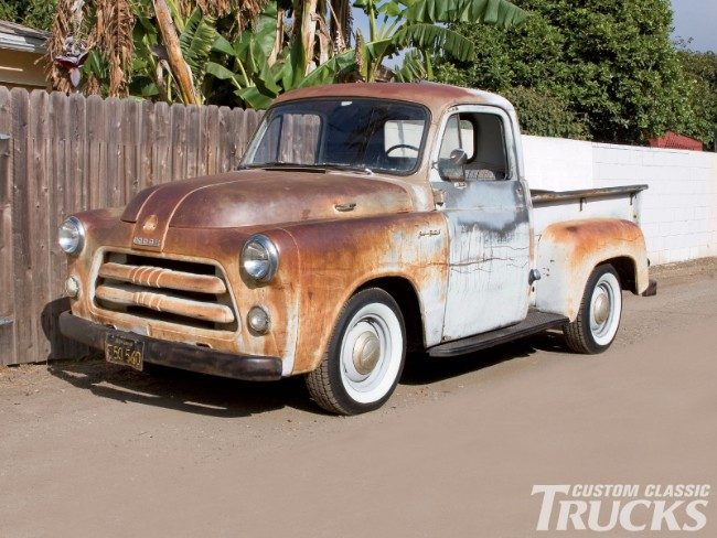 10 Locations to Buy Vintage Trucks and Vintage Truck Parts