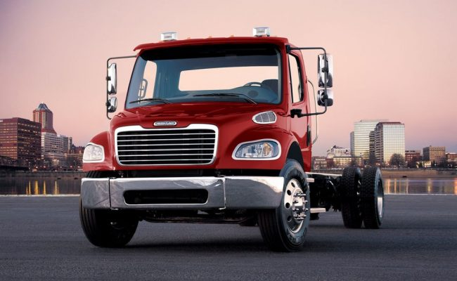 Best Semi Truck Manufacturer Battle - Freightliner vs